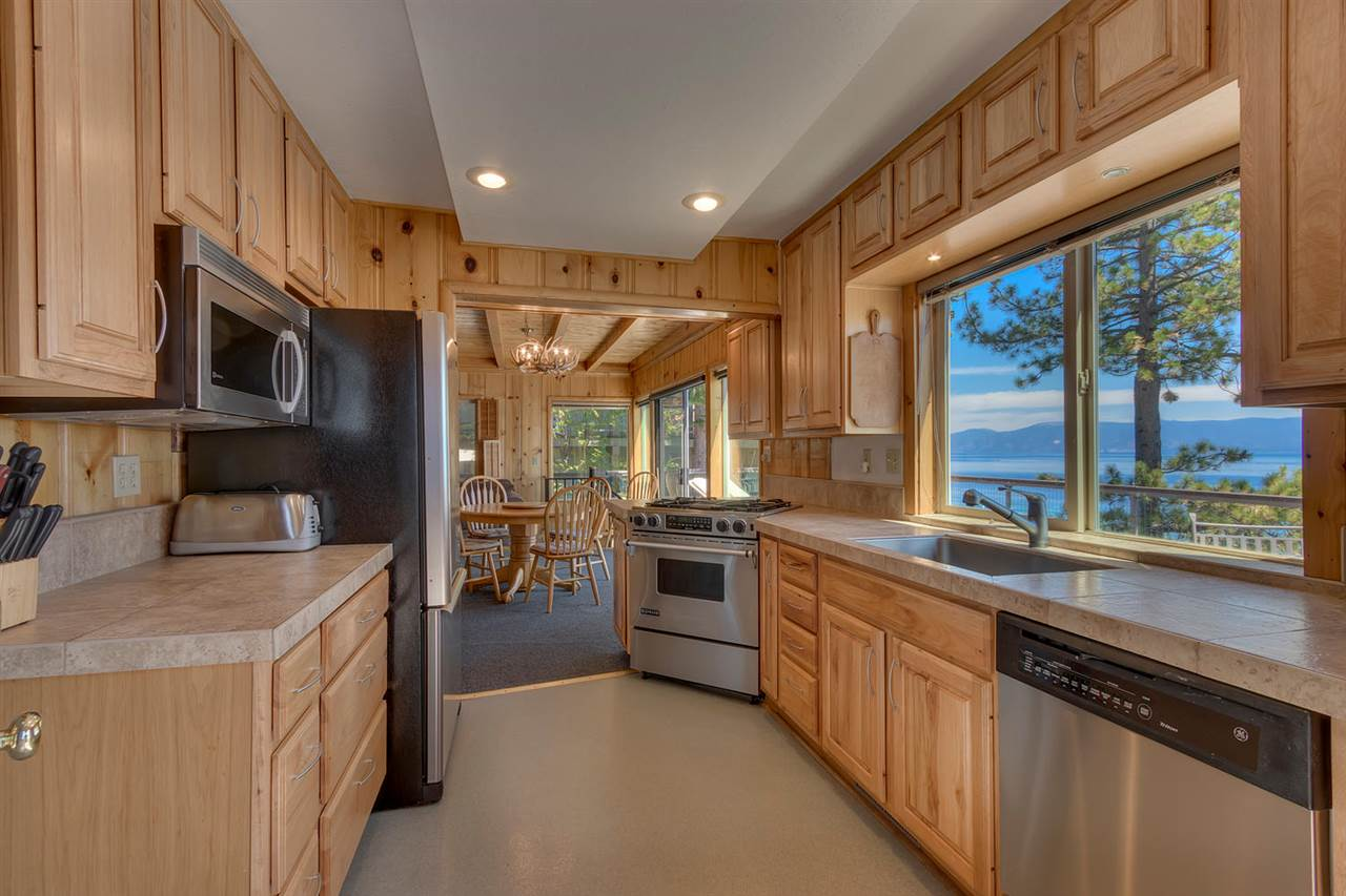 Additional photo for property listing at 8365 Meeks Bay Avenue  Meeks Bay, カリフォルニア,96142 アメリカ合衆国