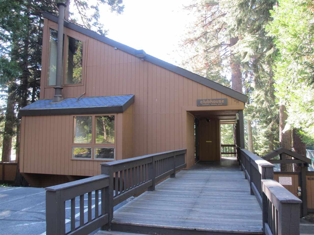 Additional photo for property listing at 2755 North Lake Boulevard  Tahoe City, California 96145 Estados Unidos