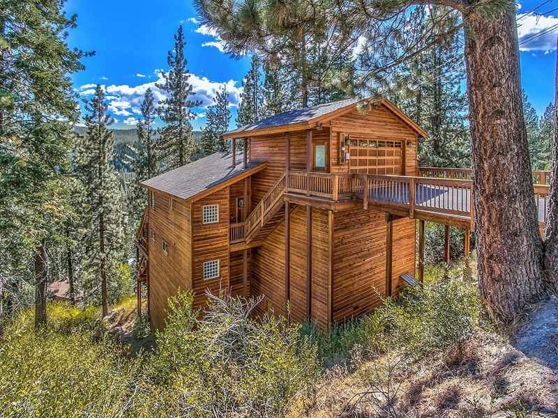 Single Family Home for Active at 12571 Sierra Drive Truckee, California 96161 United States