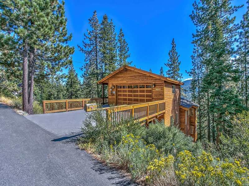 Additional photo for property listing at 12571 Sierra Drive 12571 Sierra Drive Truckee, California 96161 United States