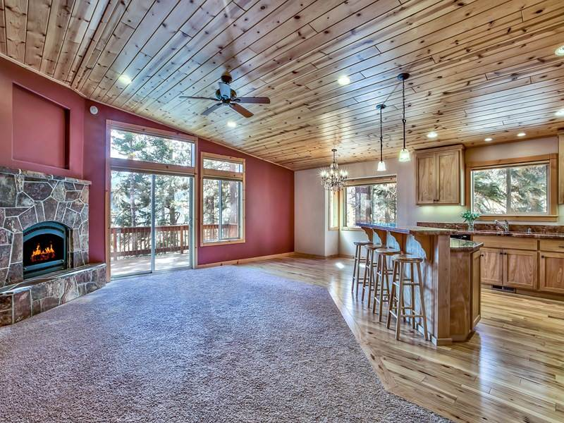 Additional photo for property listing at 12571 Sierra Drive  Truckee, California 96161 United States