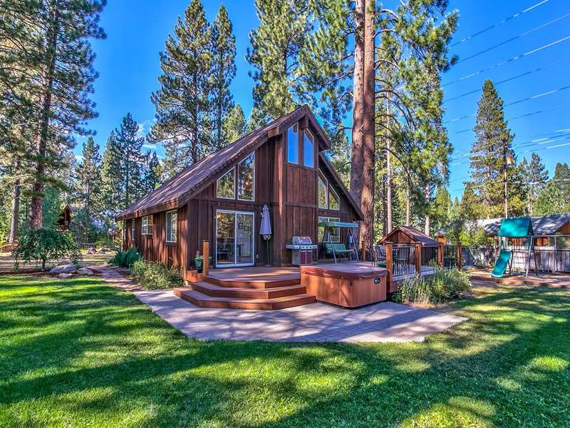 Casa Unifamiliar por un Venta en 10487 Red Fir Road 10487 Red Fir Road Truckee, California 96161 Estados Unidos