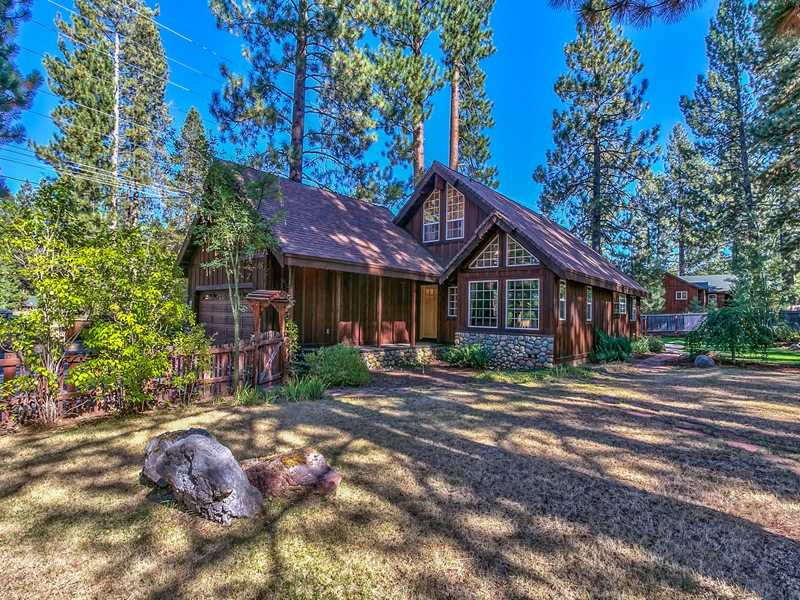 Additional photo for property listing at 10487 Red Fir Road 10487 Red Fir Road Truckee, California 96161 Estados Unidos