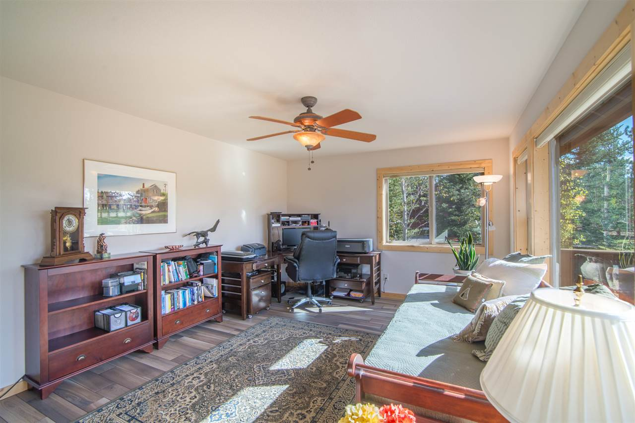 Additional photo for property listing at 10381 Plymouth Lane  Truckee, California 96161 United States
