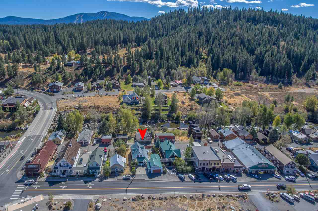 Additional photo for property listing at 10055 West River Street  Truckee, California 96161 United States