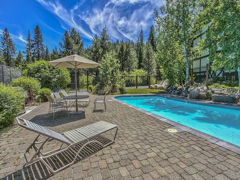 Additional photo for property listing at 227 Squaw Valley Road  Olympic Valley, California 96146 Estados Unidos