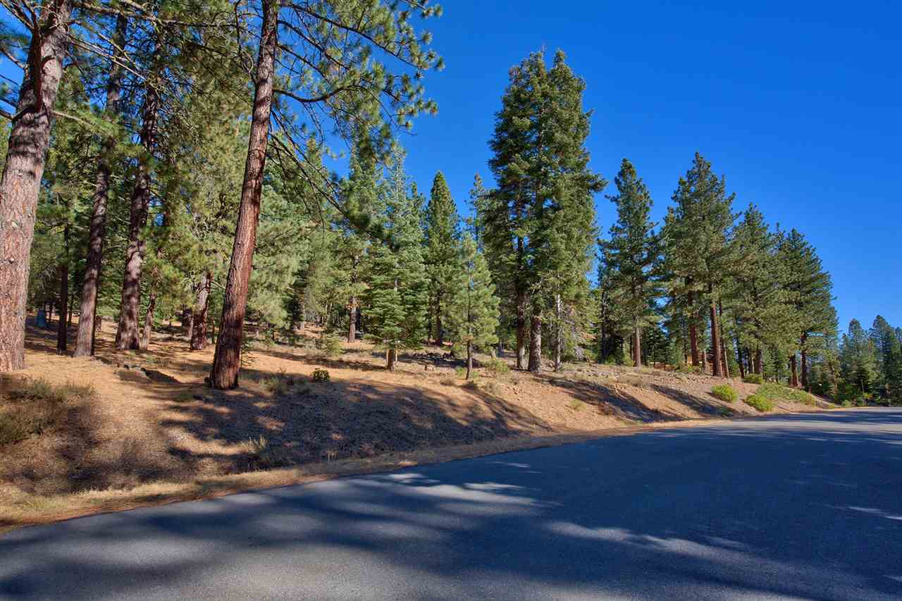 Additional photo for property listing at 11990 Saddleback Drive Truckee, California 96161 United States