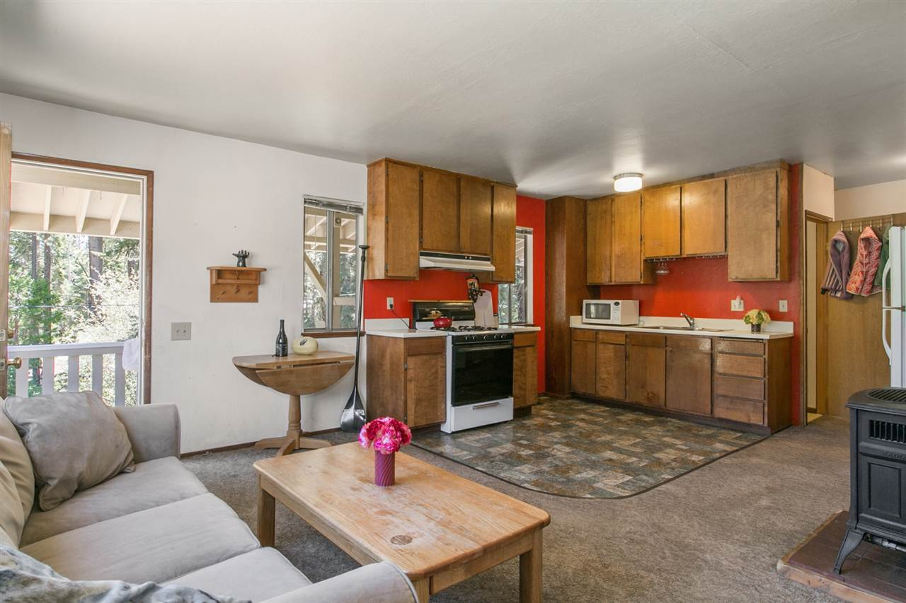 Additional photo for property listing at 2898 Lake Forest Road 2898 Lake Forest Road Tahoe City, California 96145 United States
