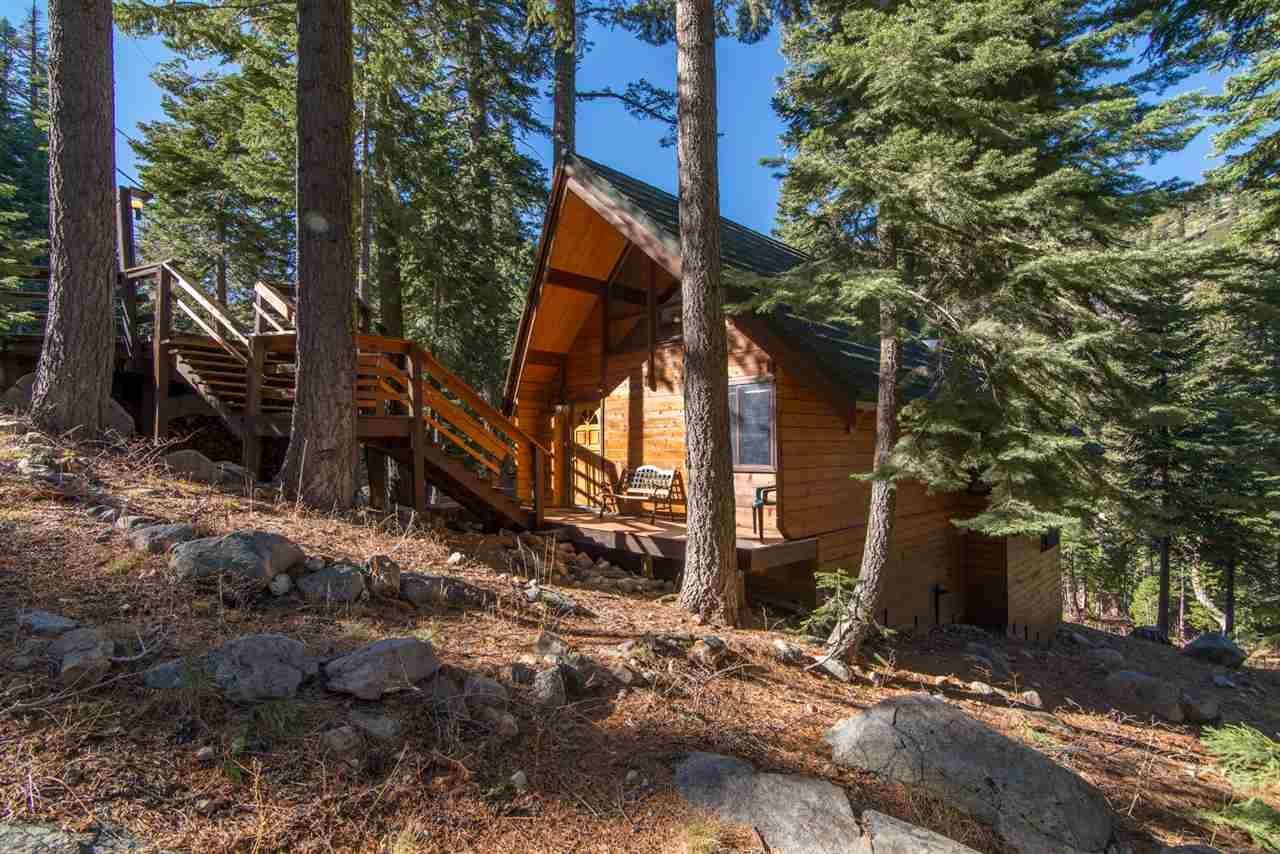 独户住宅 为 销售 在 1670 Upper Bench Road 塔霍湖城, 加利福尼亚州 96146 美国