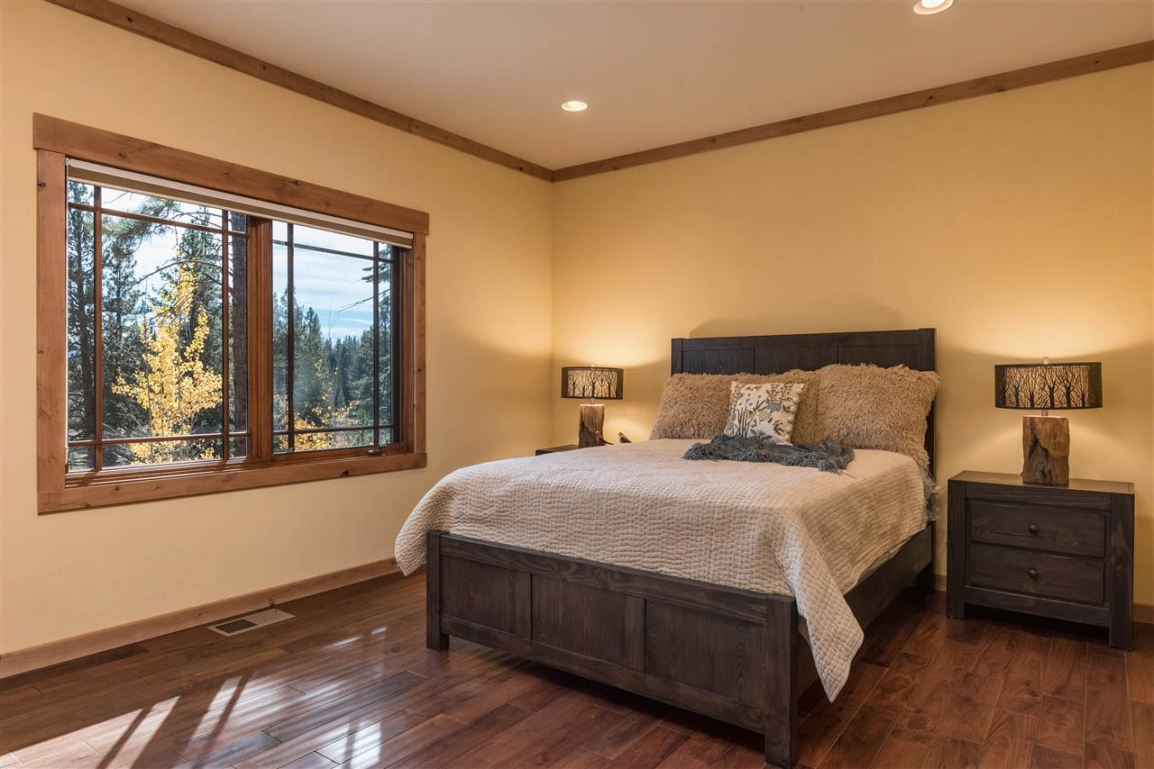 Additional photo for property listing at 11365 China Camp Road  Truckee, California 96161 United States