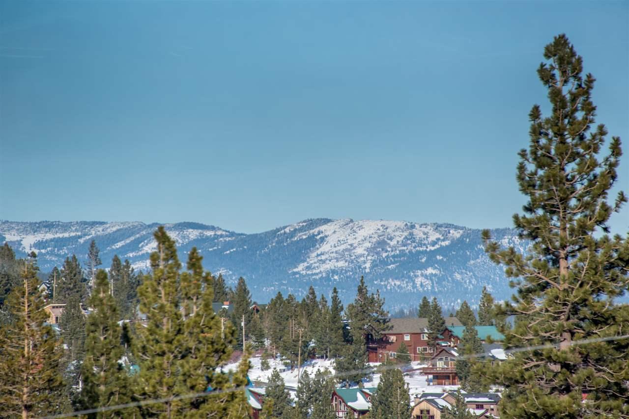 11673 Snowpeak Way, Truckee, CA 96161