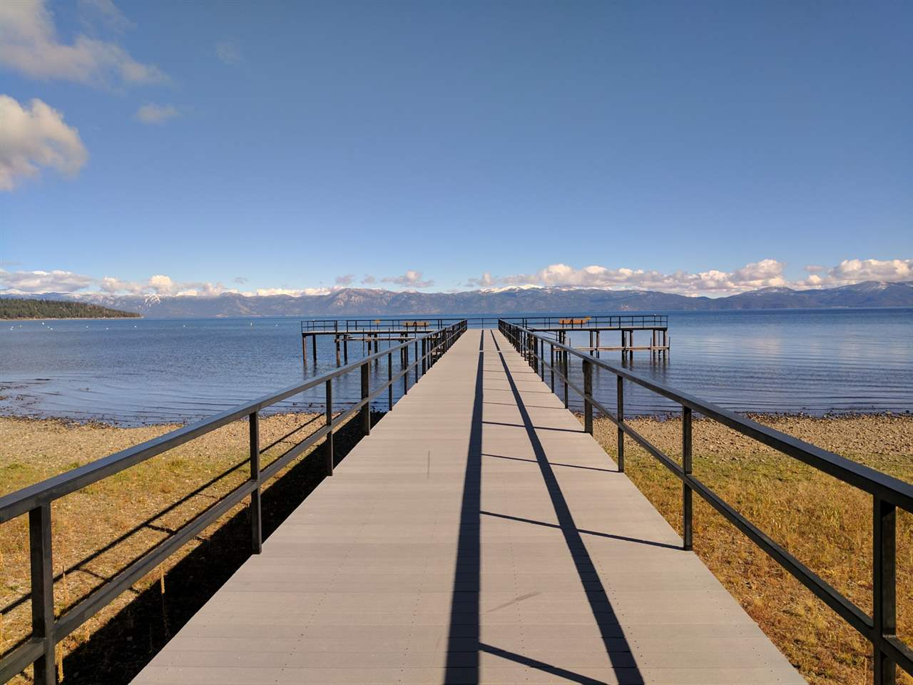Additional photo for property listing at 180 West Lake Boulevard  塔霍湖城, 加利福尼亚州 96145 美国