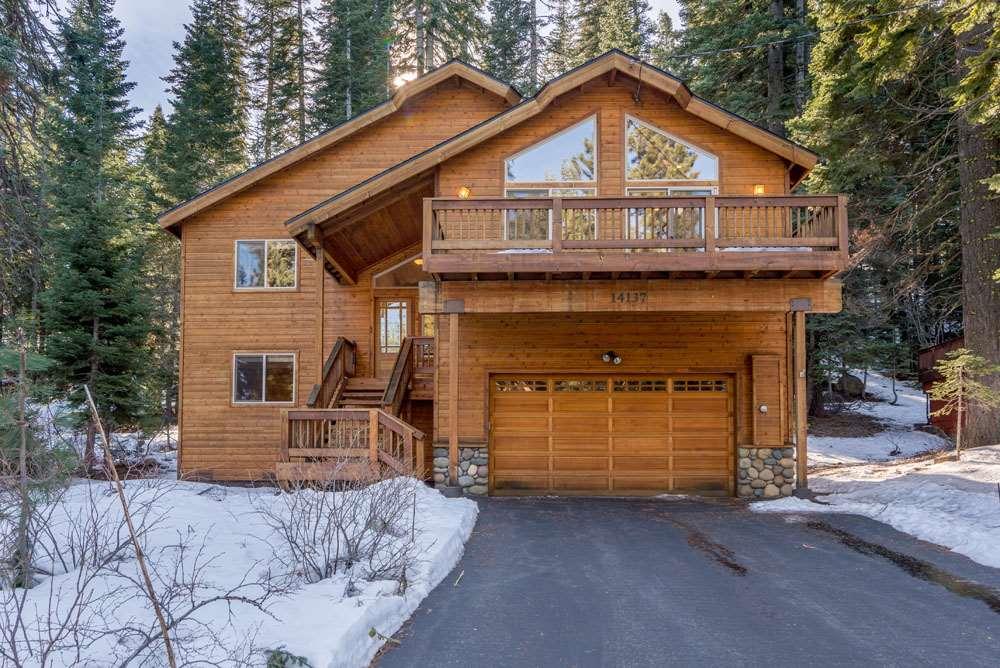 独户住宅 为 销售 在 14137 Herringbone Way 特拉基, 加利福尼亚州 96161 美国