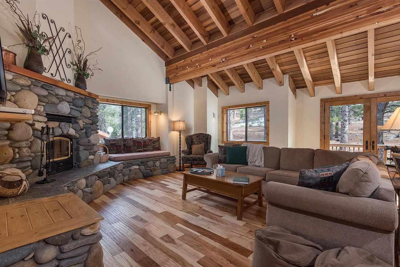 Casa Unifamiliar por un Venta en 1036 Martis Landing Truckee, California 96161 Estados Unidos