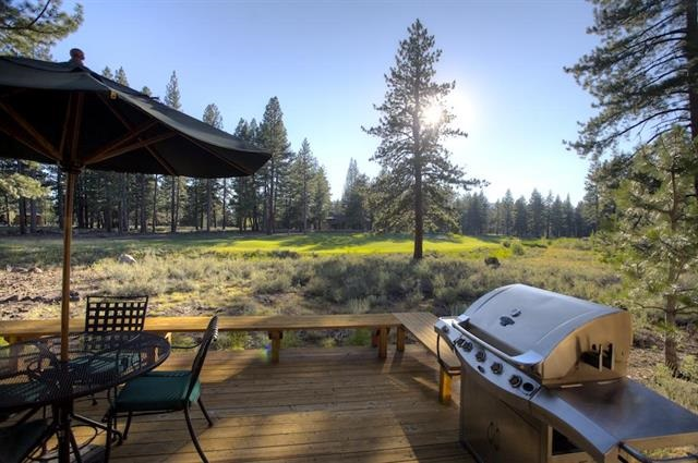 Additional photo for property listing at 12423 Lookout Loop Truckee, California 96161 United States