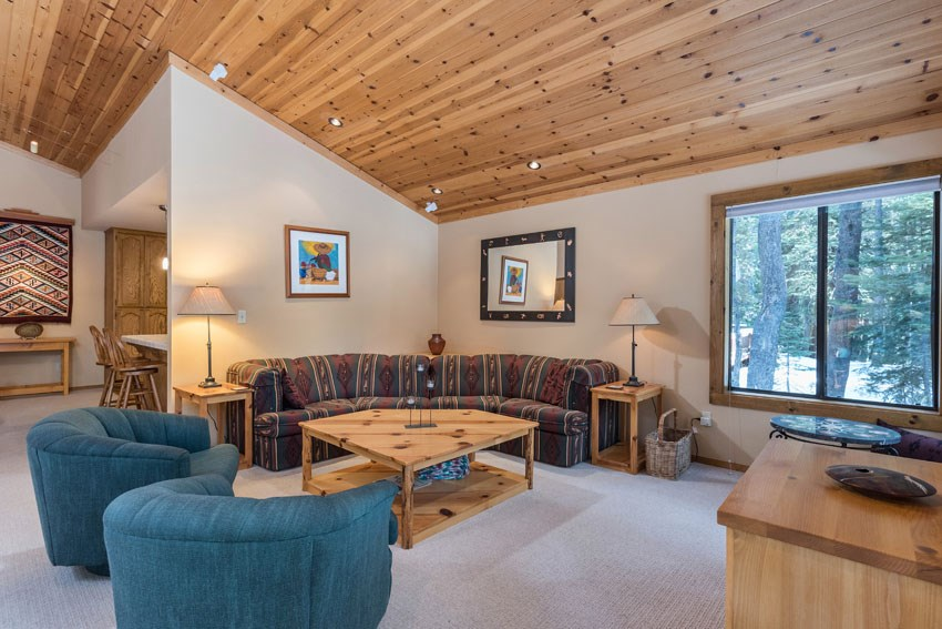 Additional photo for property listing at 15055 Davos Drive 15055 Davos Drive Truckee, California 96161 United States