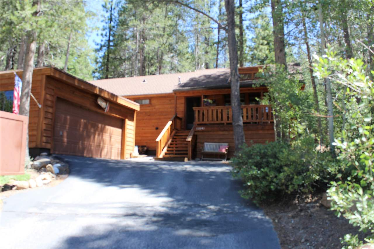 Single Family Home for Active at 11641 Lausanne Way Truckee, California 96161 United States