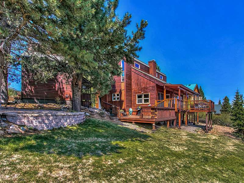 Single Family Home for Active at 13350 Hillside Drive Truckee, California 96161 United States