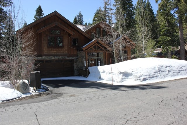 Single Family Home for Active at 4037 Courcheval Road Tahoe City, California 96145 United States