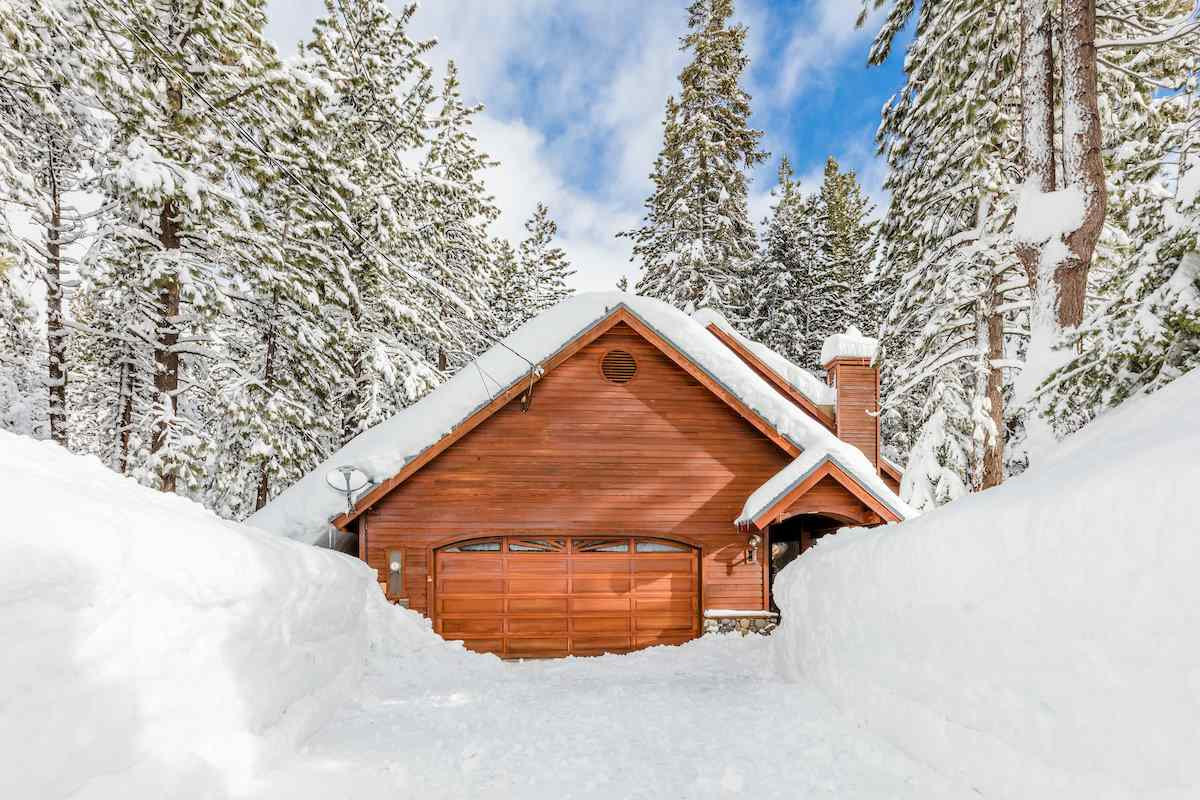 Single Family Home for Active at 14276 Tyrol Road Truckee, California 96161 United States