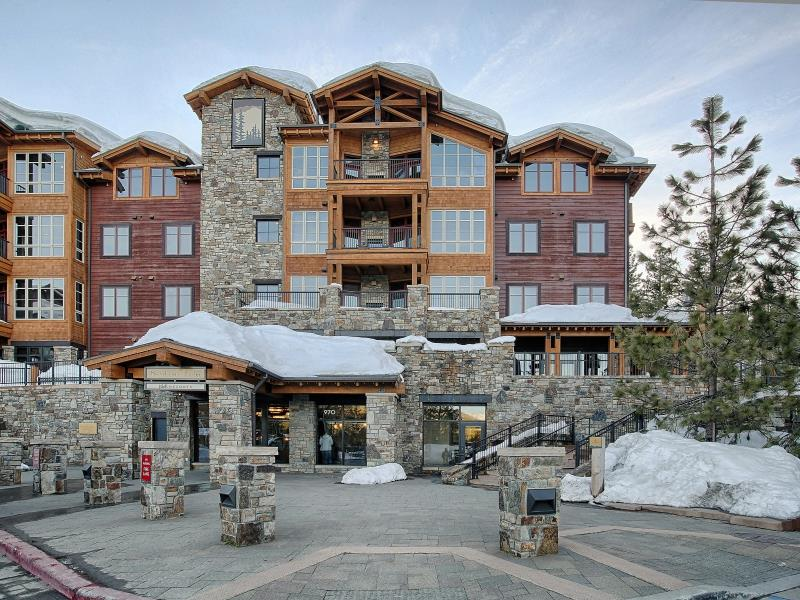 Additional photo for property listing at 970 Northstar Drive  Truckee, California 96161 United States