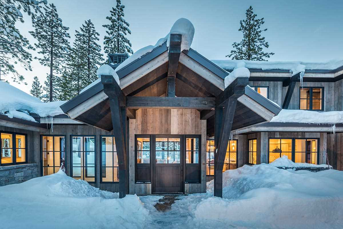 8424 Newhall Drive, Truckee, CA 96161