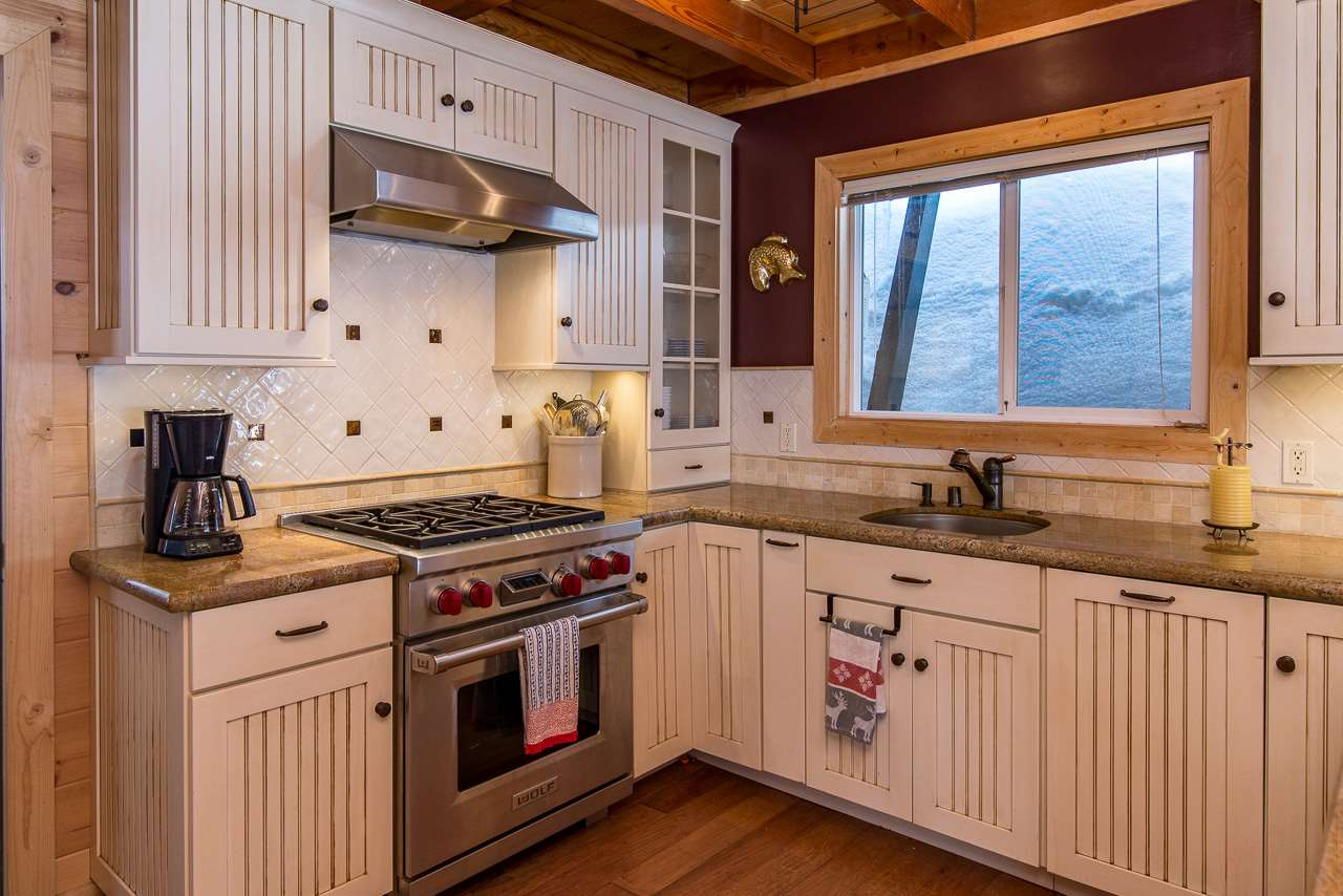 Additional photo for property listing at 324 Woodview Court 324 Woodview Court Tahoe City, California 96145 United States