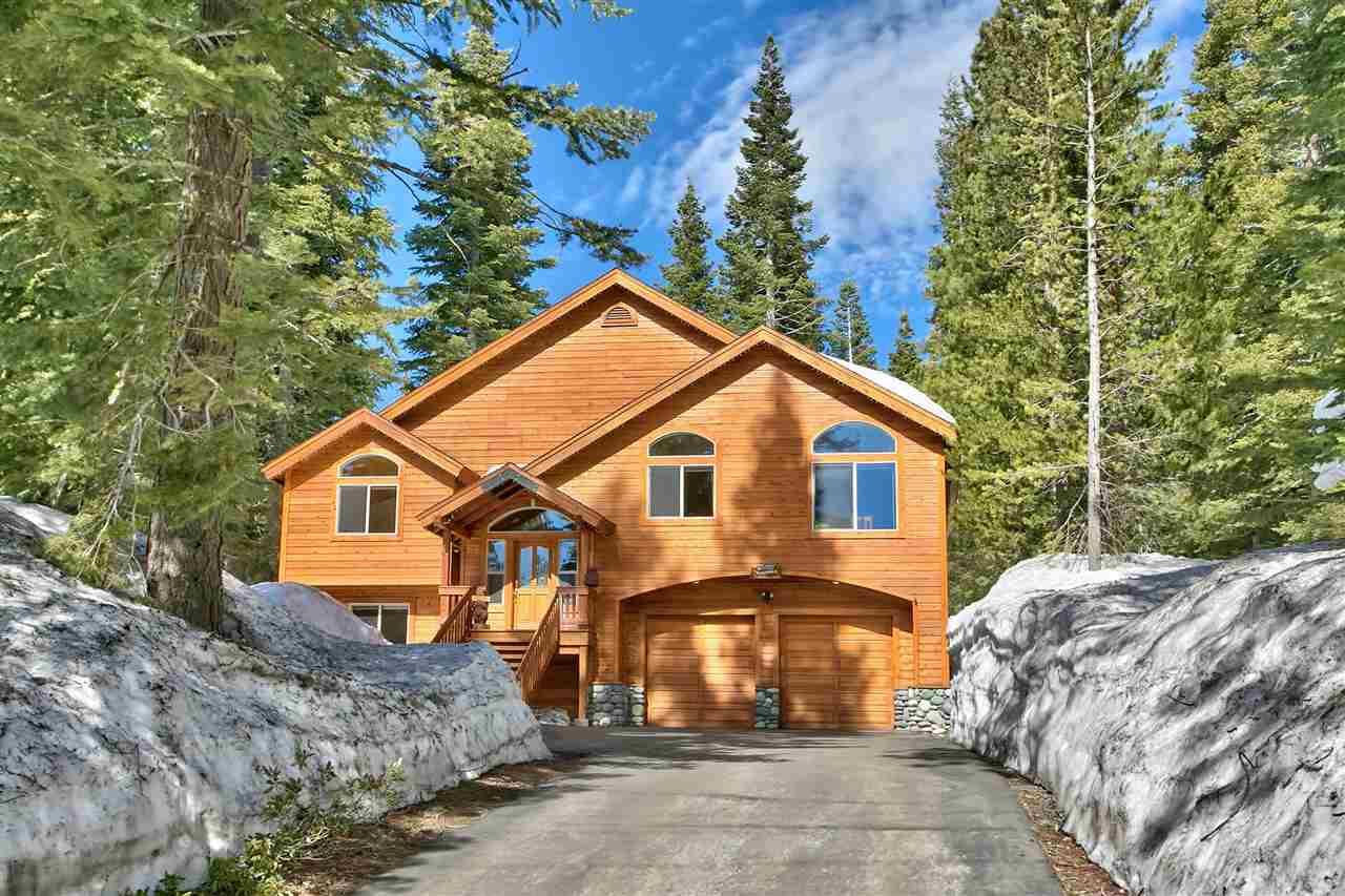 独户住宅 为 销售 在 11325 Sitzmark Way 特拉基, 加利福尼亚州 96161 美国