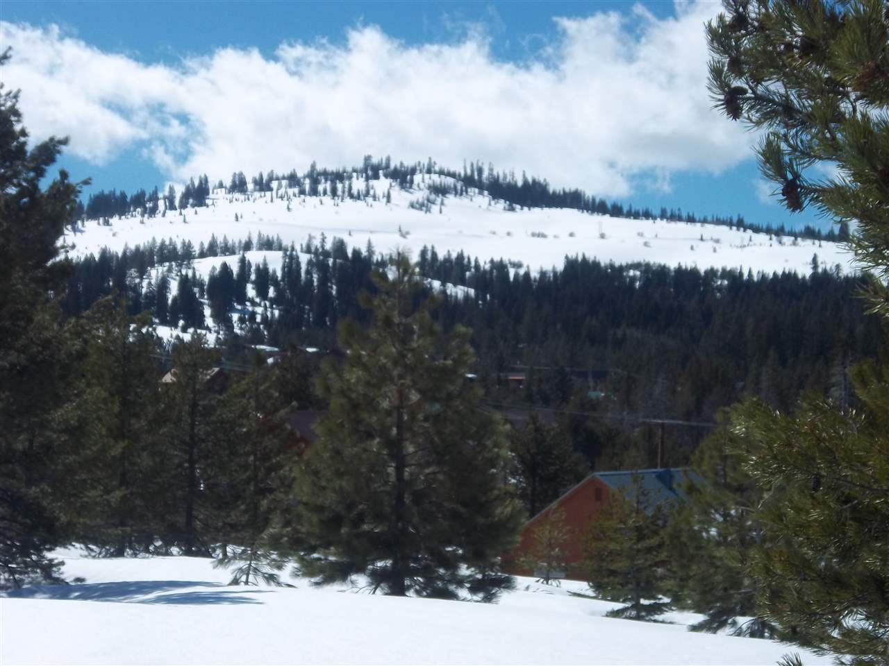 Additional photo for property listing at 12330 Snowpeak Way 12330 Snowpeak Way Truckee, California 96161 United States