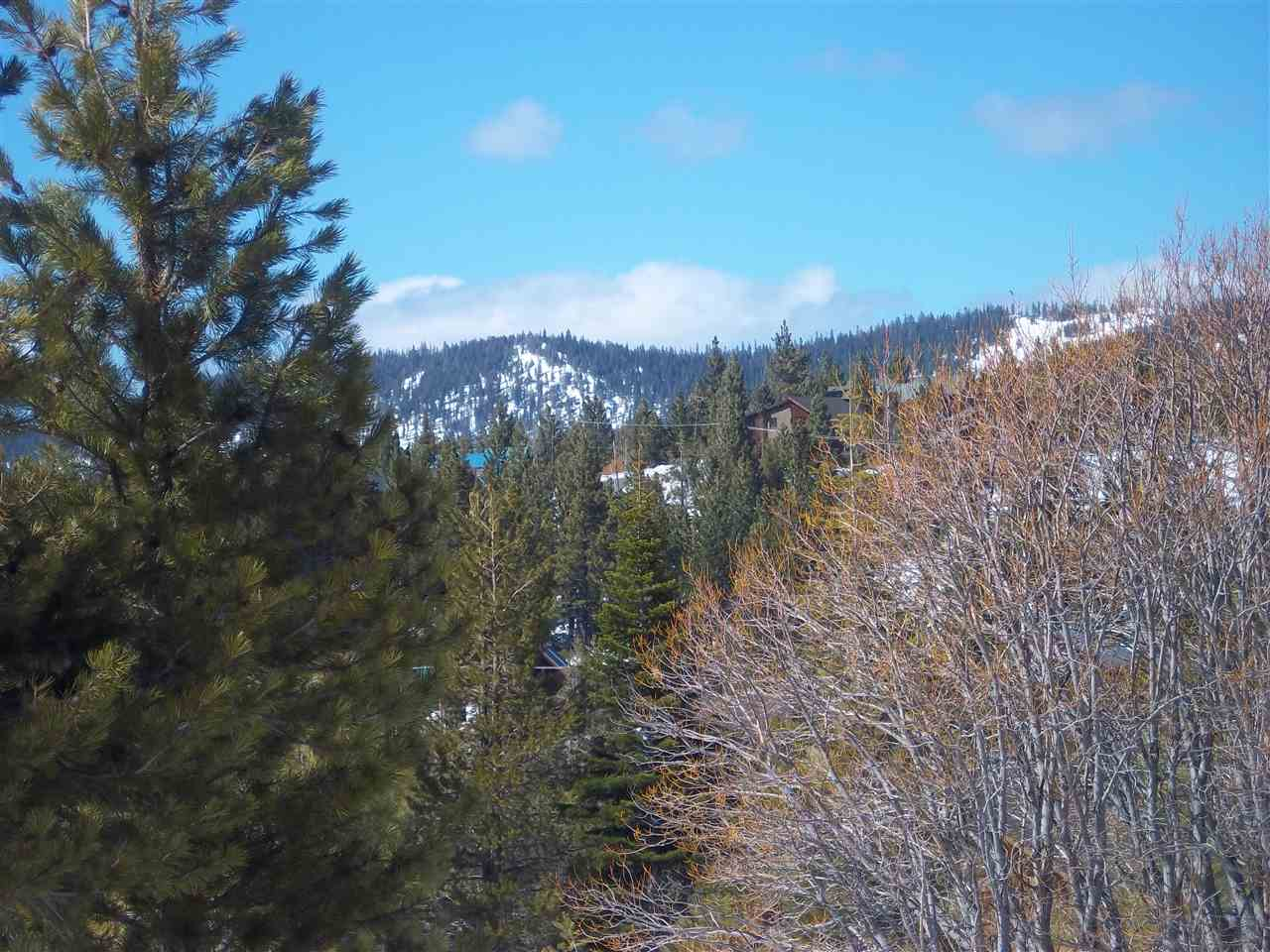 Additional photo for property listing at 12330 Snowpeak Way 12330 Snowpeak Way Truckee, California 96161 Estados Unidos