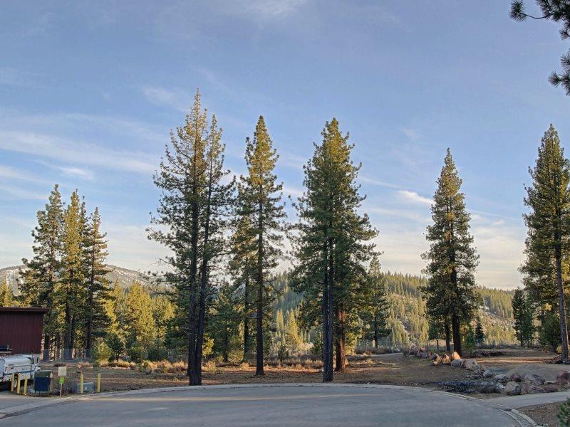 Additional photo for property listing at 11211 Trails End 11211 Trails End 特拉基, 加利福尼亚州 96161 美国