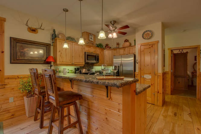 Additional photo for property listing at 11637 Dolomite Way 11637 Dolomite Way Truckee, California 96161 United States