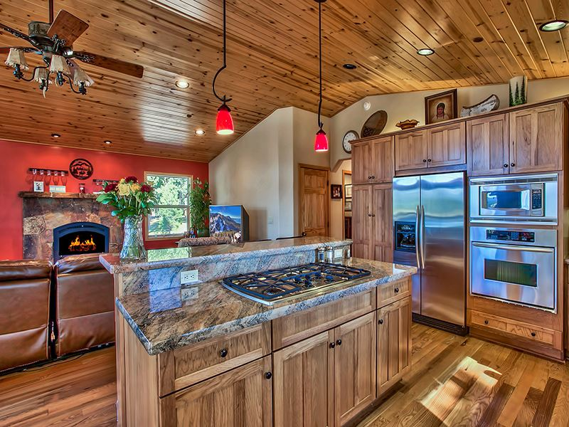 Additional photo for property listing at 12396 Union Mills Road  Truckee, California 96161 United States