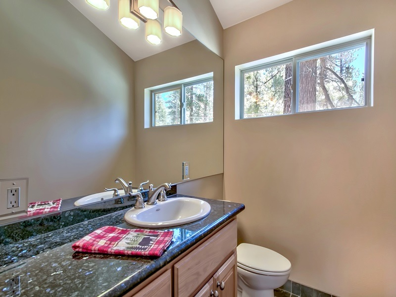 Additional photo for property listing at 6971 Toyon Road  Tahoe Vista, California 96148 Estados Unidos