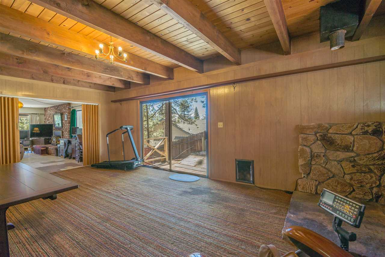 Additional photo for property listing at 11596 Brook Lane Truckee, California 96161 United States