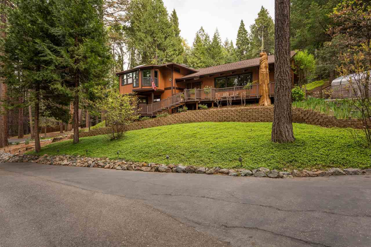Single Family Home for Active at 12175 N Bloomfield Road Nevada City, California 95959 United States