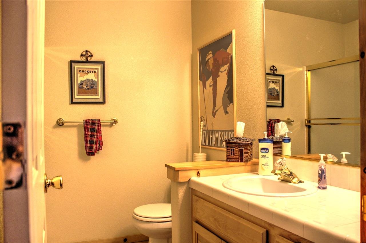 Additional photo for property listing at 12595 Northwoods Boulevard  Truckee, California 96161 United States
