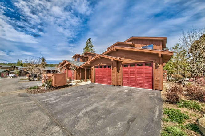 Condo / Townhouse for Active at 11592 Dolomite Way 11592 Dolomite Way Truckee, California 96161 United States