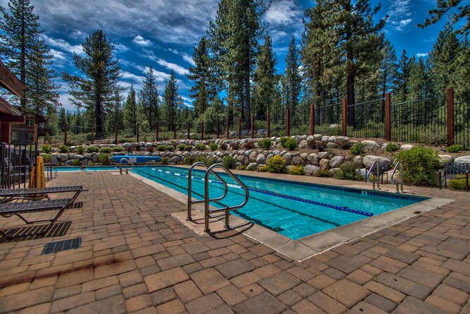 Additional photo for property listing at 11592 Dolomite Way  Truckee, California 96161 Estados Unidos