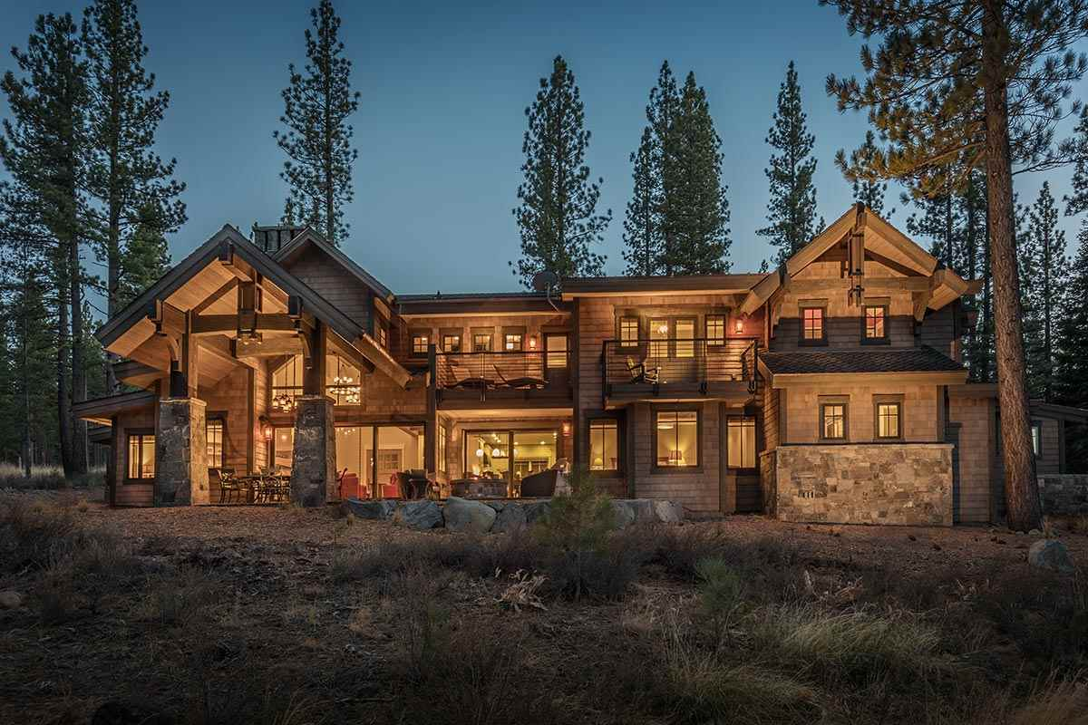 8445 Newhall Drive, Truckee, CA 96161