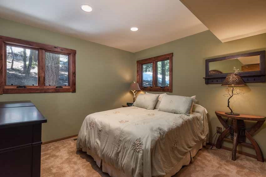Additional photo for property listing at 15451 Conifer Drive  Truckee, California 96161 United States