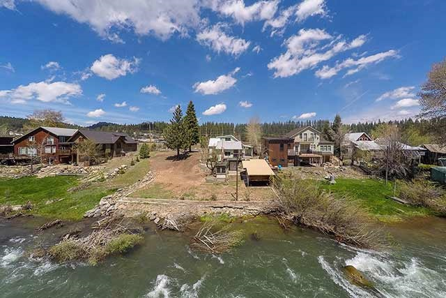 Additional photo for property listing at 10287 East River Street 10287 East River Street Truckee, California 96161 United States