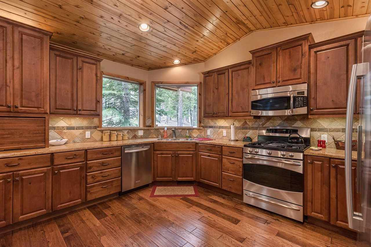 Additional photo for property listing at 1047 Martis Landing Truckee, California United States