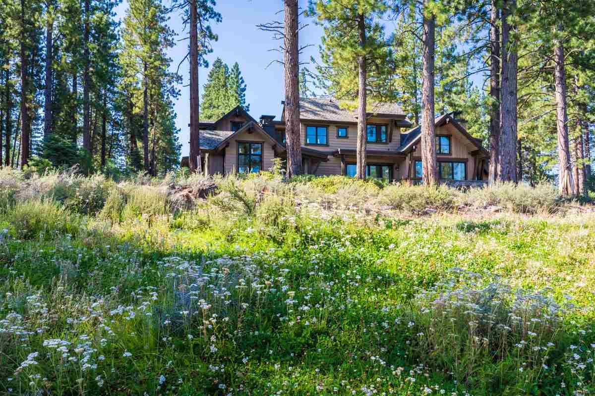 Additional photo for property listing at 377 James McIver  特拉基, 加利福尼亚州 96161 美国