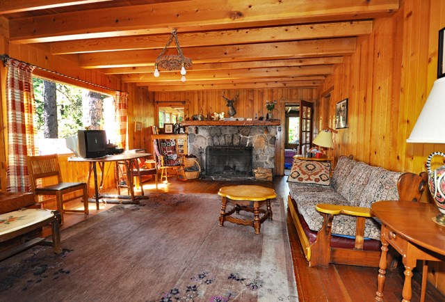 Casa Unifamiliar por un Venta en 537 Log Cabin Road Meeks Bay, California Estados Unidos
