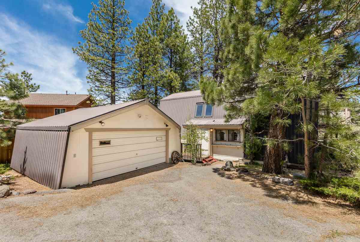 16044 Glenshire Drive, Truckee, CA 96161