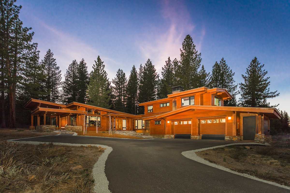 Single Family Home for Sale at 13139 Snowshoe Thompson Truckee, California,96161 United States