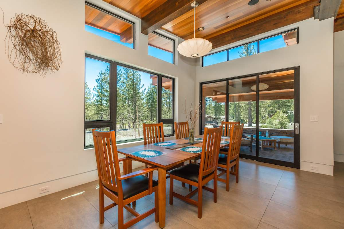 Additional photo for property listing at 13139 Snowshoe Thompson  Truckee, Californie,96161 États-Unis