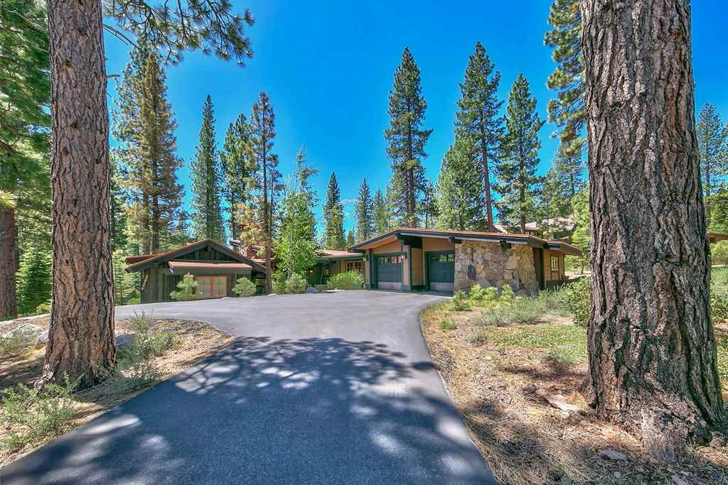 Single Family Home for Active at 8575 Lahontan Drive 8575 Lahontan Drive Truckee, California 96161 United States