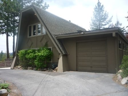 Single Family Home for Active at 135 Lakewood Lane Tahoe City, California United States